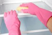 Hoe onderhoud ik een koelkast en diepvriezer?