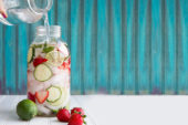 Recept: aardbei-komkommer water