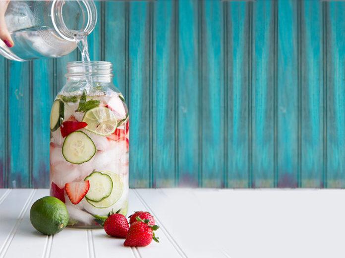 aardbei komkommer water