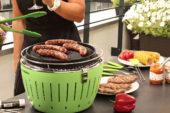 Met de LotusGrill barbecue je zelfs tijdens regenweer