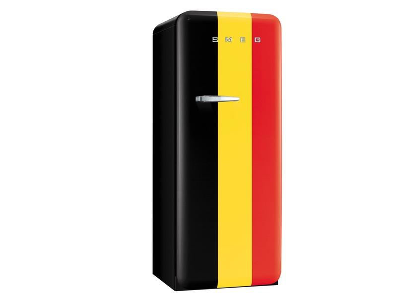 Retro Smeg Koelkast : Smeg steekt koelkast in speciaal kleedje