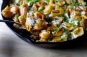 Heerlijk herfstig: romige pasta vijf kazen uit de koekenpan
