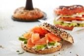 Idée de brunch: des bagels maison croustillants grâce à Lékué