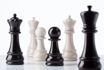 Ontdek Bisetti chess: het pittig schaakduo voor aan tafel