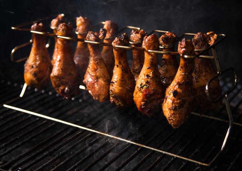 Doe het eens anders: grillen met de Gefu kippenpotenhouder