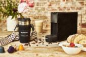 Handtassendesigner Clio Goldbrenner ontwerpt de Nespresso Essenza Mini
