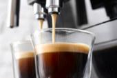 Koffie: een bakje troost of boost?